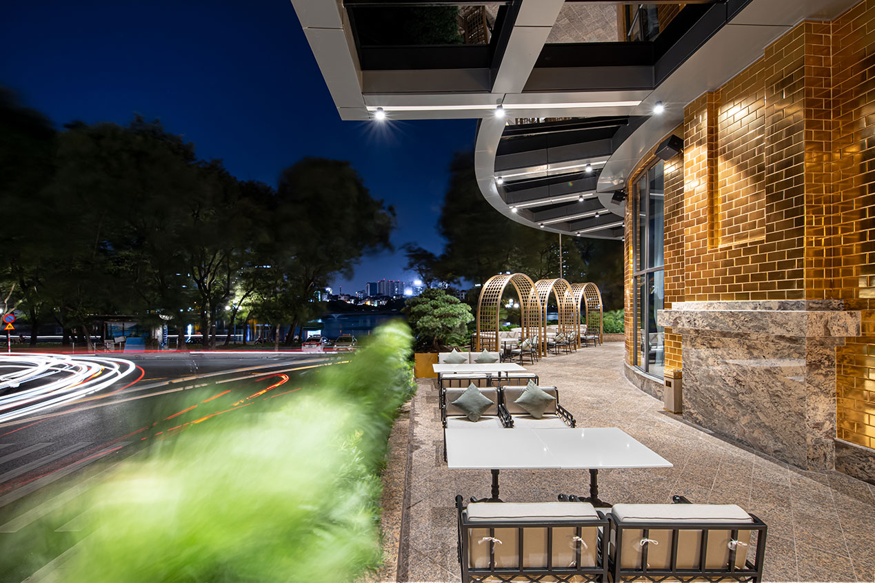 F29 Lounge & Restaurant